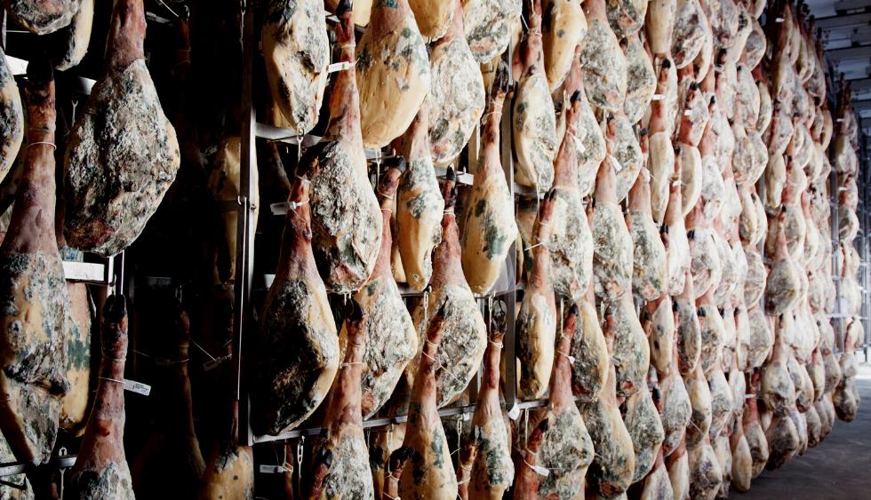 Las fases del proceso de curación y maduración del jamón ibérico